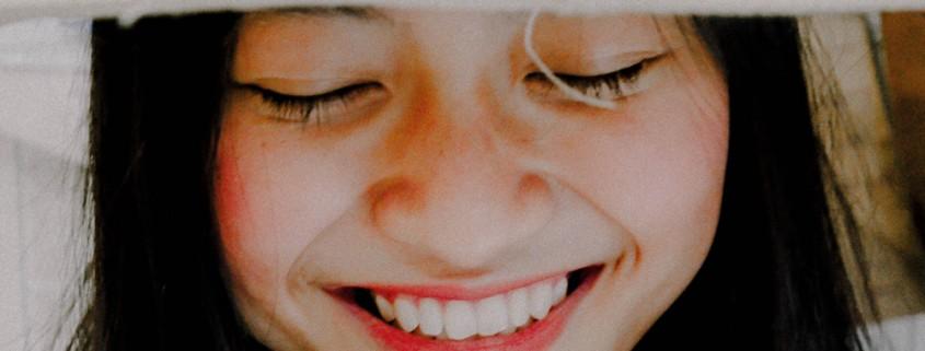 me duelen los dientes de abajo clínica lorenzo